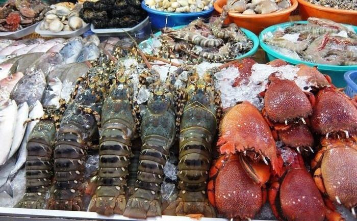 Những món hải sản tươi rói ở vịnh Vĩnh Hy mà bạn nhất định phải thử.