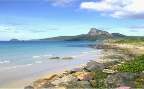 Côn đảo thu hút với vẻ đẹp hoang sơ và những dấu ấn lịch sử