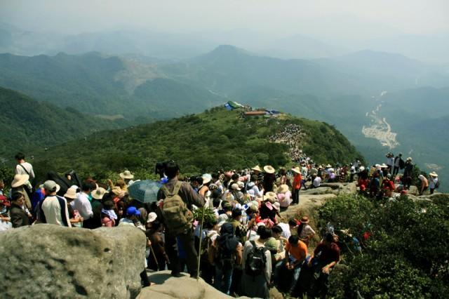 Mùa lễ hội chùa Yên Tử