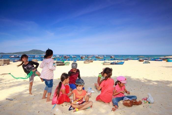 Phú Yên bình dị một ngày nắng trong bên xóm chài - Ảnh: Quang Nguyen Vinh