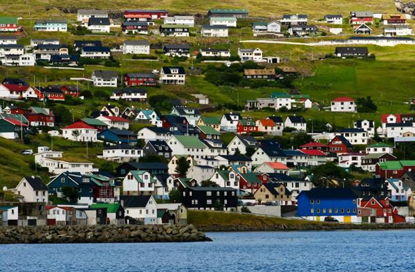Đảo Faroe tuy nhỏ nhưng quyến rũ và có nhiều điều thú vị. Ảnh: The Richest