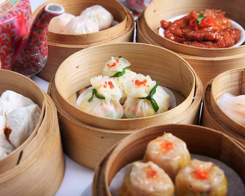 Ngọc Mai Đỏ nổi tiếng với các món Á Đông, Dimsum...