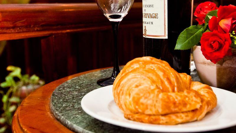 Paris deli là thiên đường bánh ngọt mang phong cách châu Âu