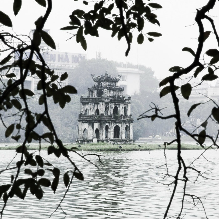 Những sáng mùa đông, sương bảng lãng trên mặt Hồ Gươm - Ảnh: Nguyen Hoang Dinh