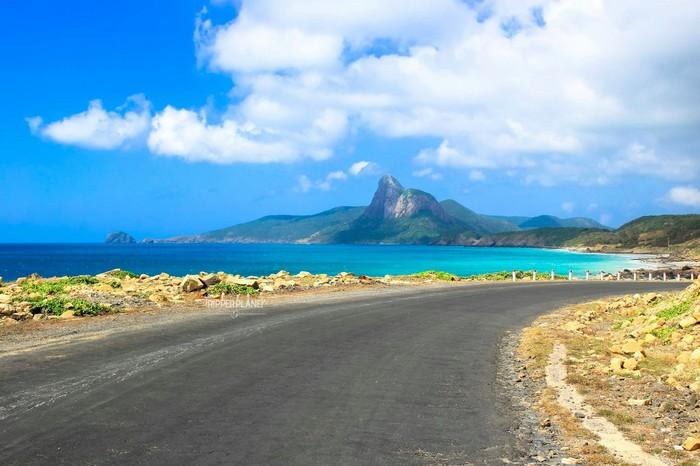 Đường đến biển trời Côn Đảo - Ảnh: Khánh Bằng
