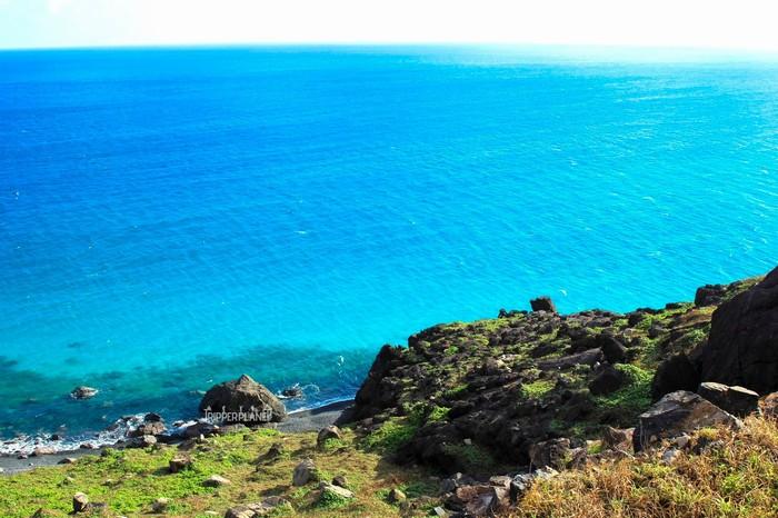 Xanh ngắt biển ở mũi Cá Mập - Ảnh: Khánh Bằng
