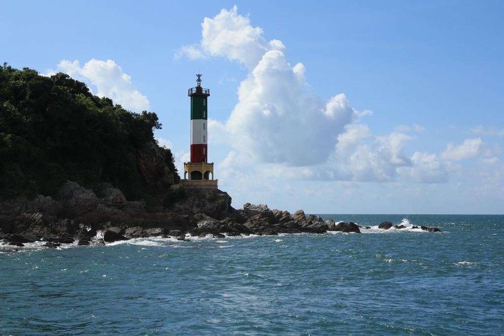 Ngọn hải đăng ở Cô Tô