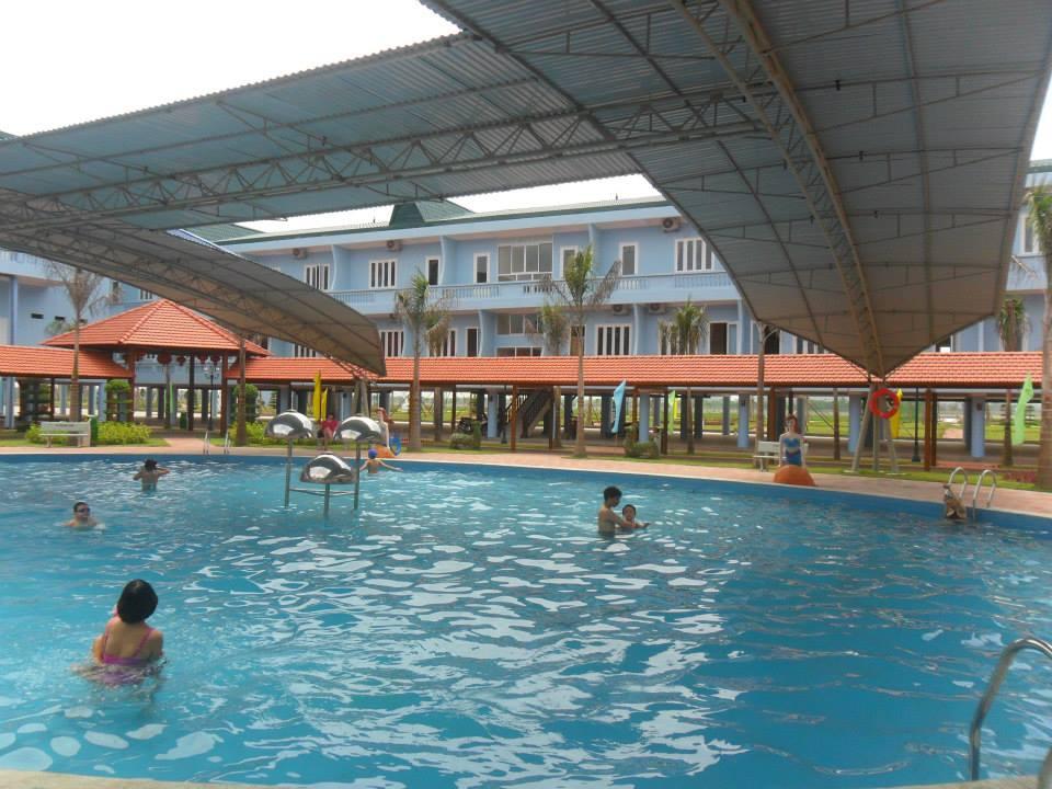 Bể bơi ở Đảo Ngọc Xanh