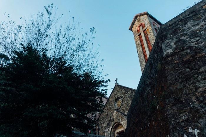 Nhà thờ cổ an bình giữa đất Tam Đảo tháng 3