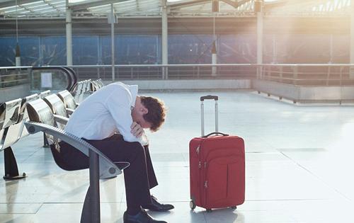 Du lịch nước ngoài và những rắc rối từ hộ chiếu