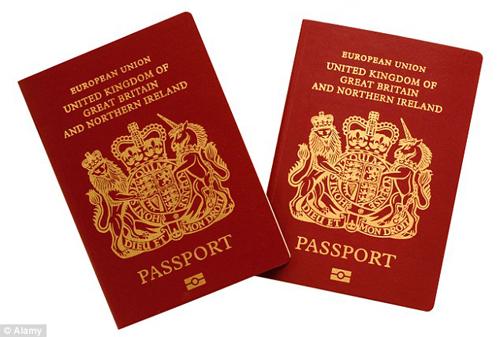 Công dân Anh là một trong những người sở hữu cuốn hộ chiếu quyền lực nhất thế giới, khi số nước họ được miễn thị thực luôn nằm trong top đầu. Ảnh: Alamy.