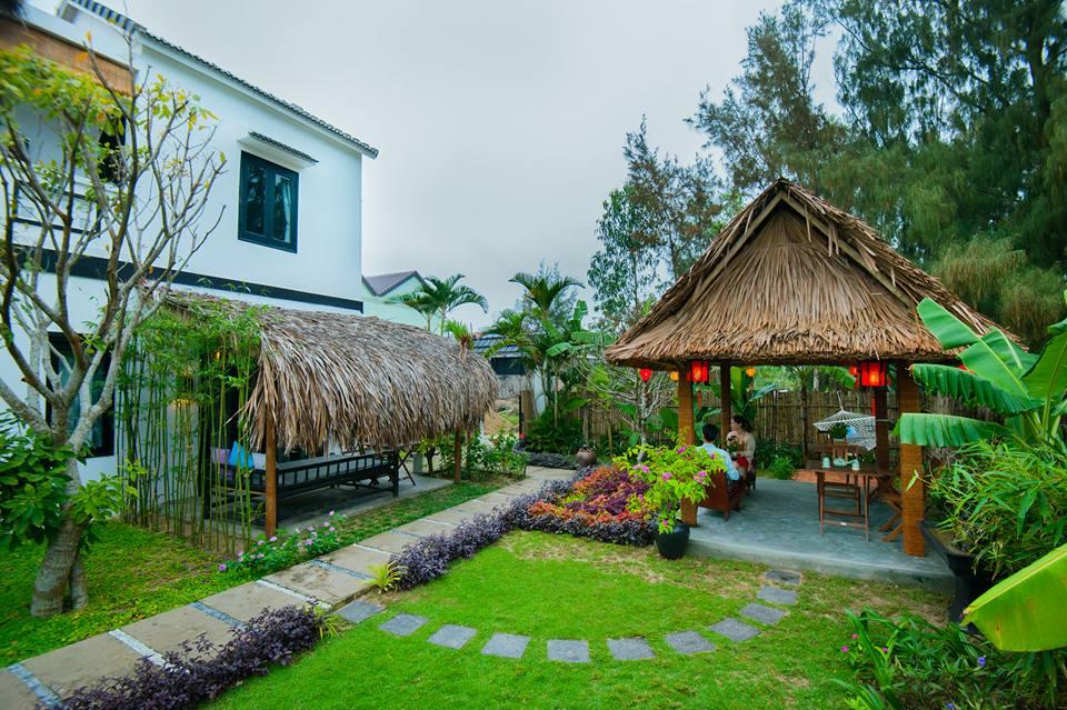 Cách bãi biển An Bàng khoảng 3 phút đi bộ, An Bàng Garden Homestay như một ngôi nhà nhỏ giữa một khoảng vườn xinh xắn, tươi mát và thoáng đãng.
