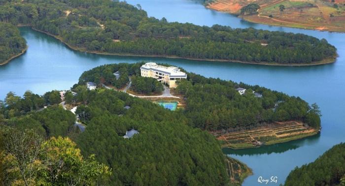 Những resort, biệt thự nằm ẩn mình trên mỗi ốc đảo ở hồ Tuyền Lâm