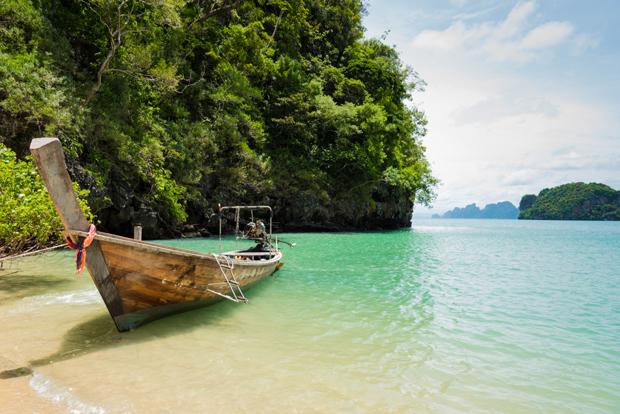 Nằm ở giữa đảo Krabi và Phuket nhưng cảm giác Koh Yao là một thế giới khác. Koh Yao gồm một nhóm các đảo nhỏ hợp thành, trong đó Koh Yao Yai và Koh Yao Noi là hai hòn đảo chính. Đây là nơi tuyệt vời để đi dạo biển, nằm võng và ngắm nhìn những cánh đồng lúa bất tận.