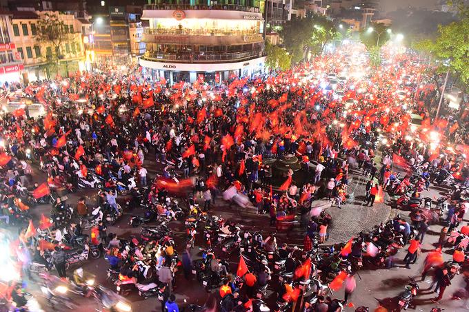 Thủ đô Hà Nội đông đúc luôn là lựa chọn hàng đầu của du khách nước ngoài