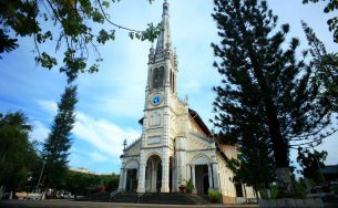 Du lịch Miền Tây, ngoài đến thăm miệt vườn thì đừng bỏ qua 6 nhà thờ nổi tiếng dưới đây