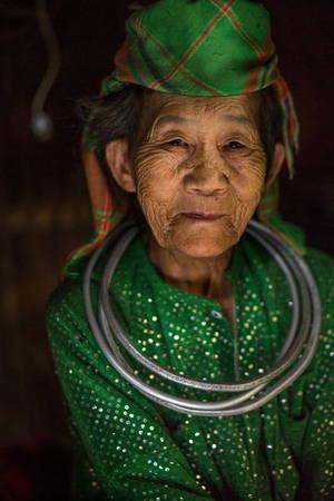 Một phụ nữ dân tộc thiểu số ở huyện Mèo Vạc, Hà Giang - Ảnh: Réhahn
