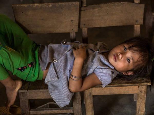 Réhahn cho biết trẻ em dân tộc vùng cao thường có hoàn cảnh gia đình khó khăn nên ít có điều kiện đến lớp - Ảnh: Réhahn