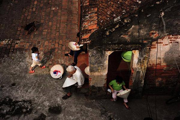 Người dân nón làng Chuông