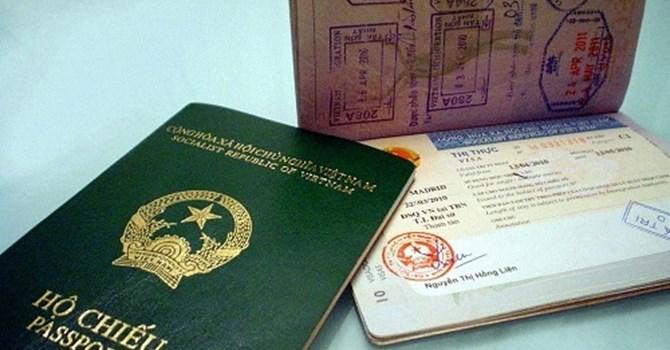 Nơi đăng ký hộ khẩu thường trú hay tạm trú ở Hà Nội quyết định xem bạn phải làm hộ chiếu ở đâu