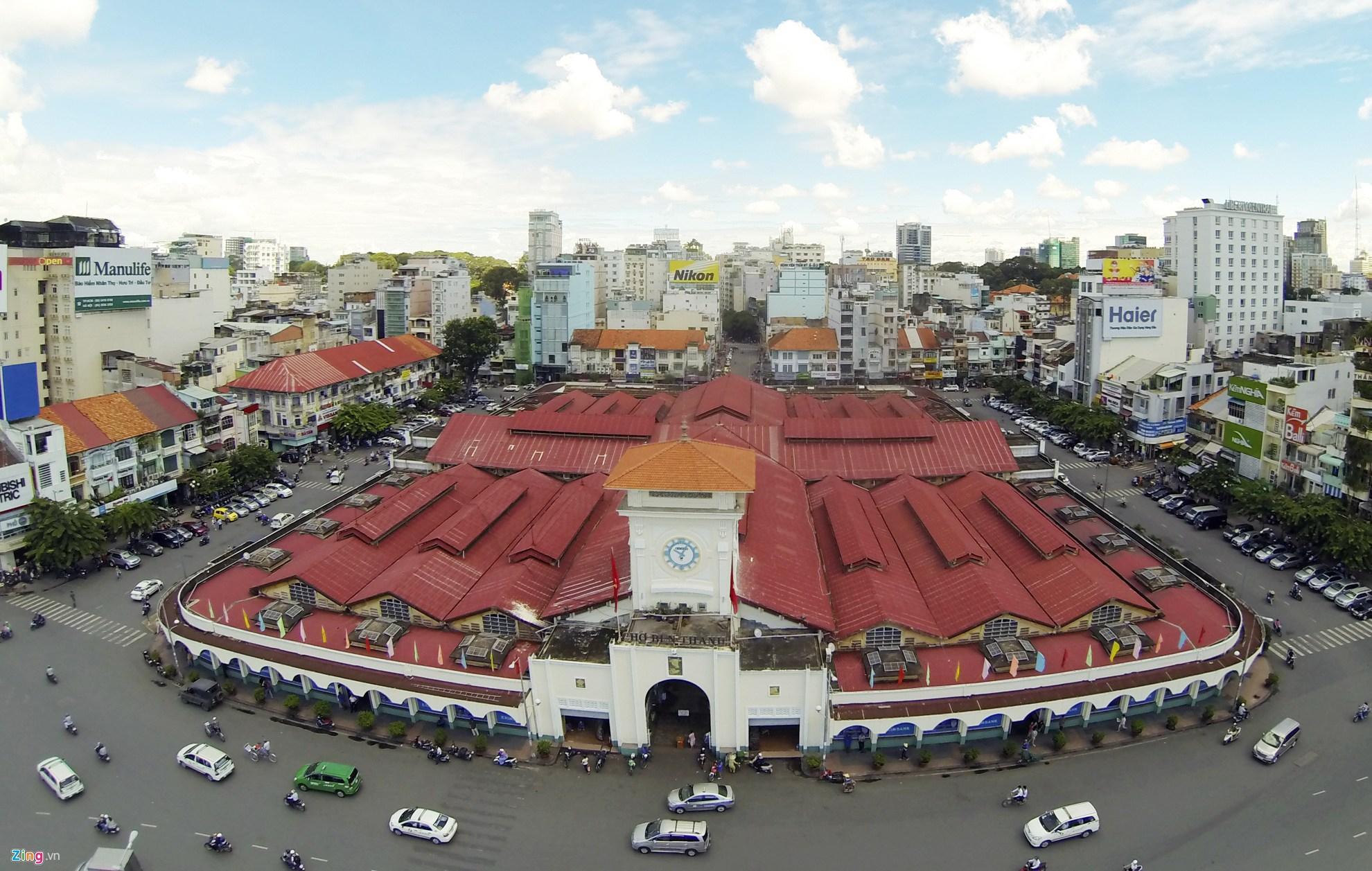 Chợ Bến Thành nhìn từ trên cao