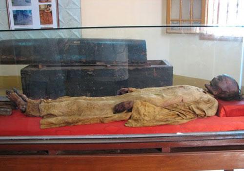 Xác ướp Xóm Cải tại Bảo tàng Lịch sử Việt Nam (thành phố Hồ Chí Minh)