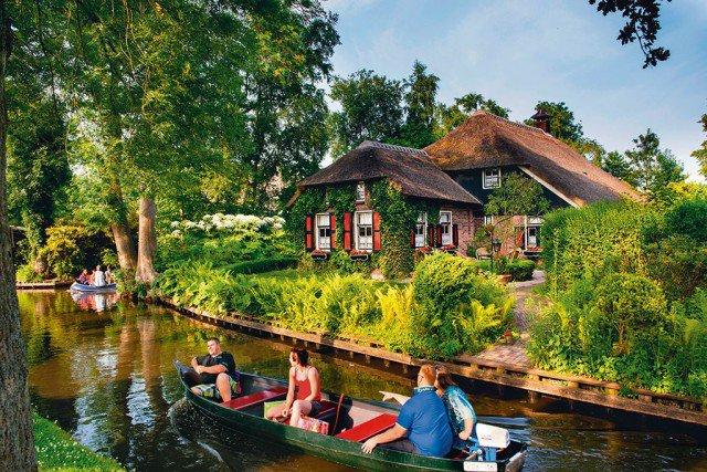 Giethoorn, Netherlands. Ảnh: Christopher Hill