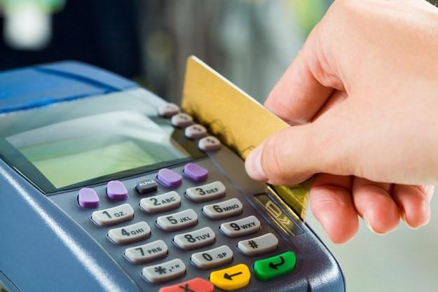 Thẻ của bạn có khả năng bị đóng băng khi không thông báo cho ngân hàng thẻ