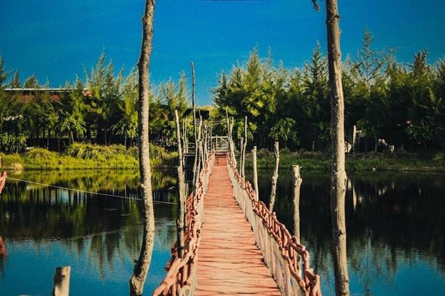 """Hồ Tràm cũng rất được lòng giới trẻ khi cảnh ở đây rất """"ăn hình"""""""